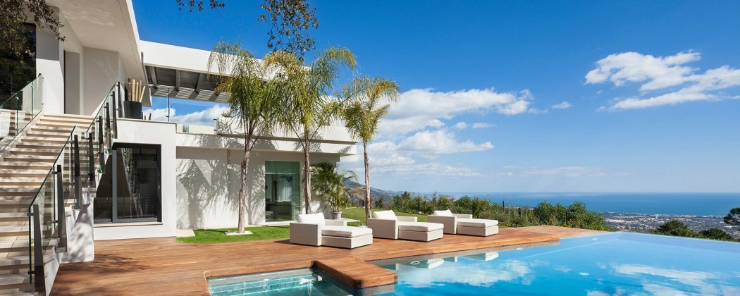external-villa-front-and-pool-area1